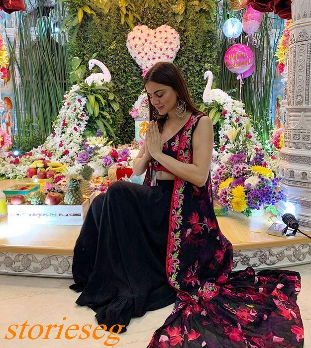 الممثلة الشابة شرادا آريا
