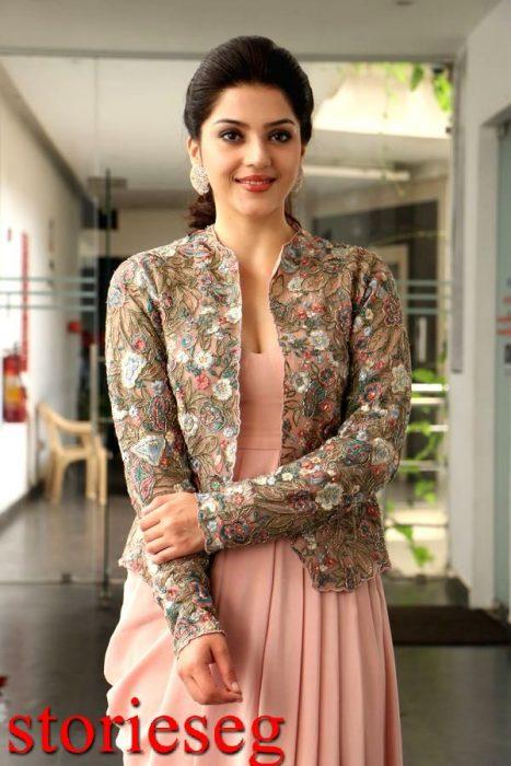الممثلة مهرين كور بيرزادا