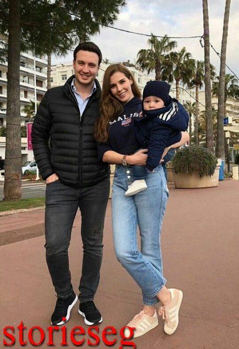 خديجة مع زوجها و ابنها جان