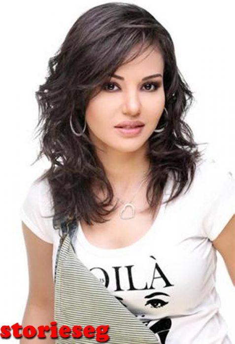 الممثلة دينا فؤاد