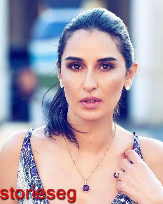 الممثلة التونسية فاطمة ناصر