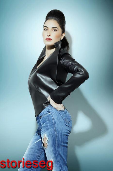 الممثلة فاطمة ناصر