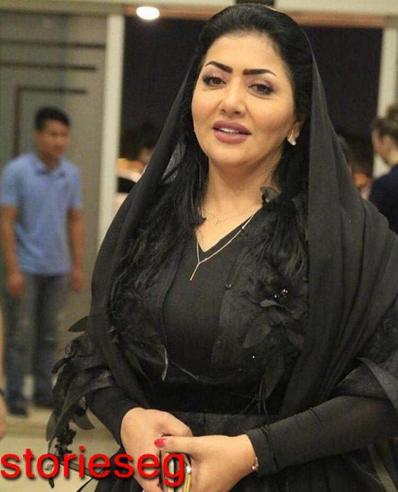 الفنانة الخليجية فاطمة الحوسنى