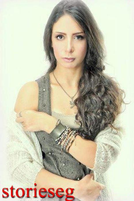 الفنانة الشابة ياسمين رحمي