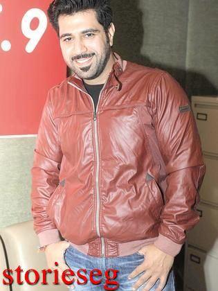 الفنان أحمد المقلد