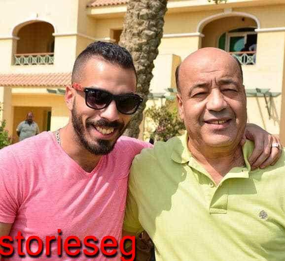 خالد مع والده الفنان حجاج عبد العظيم