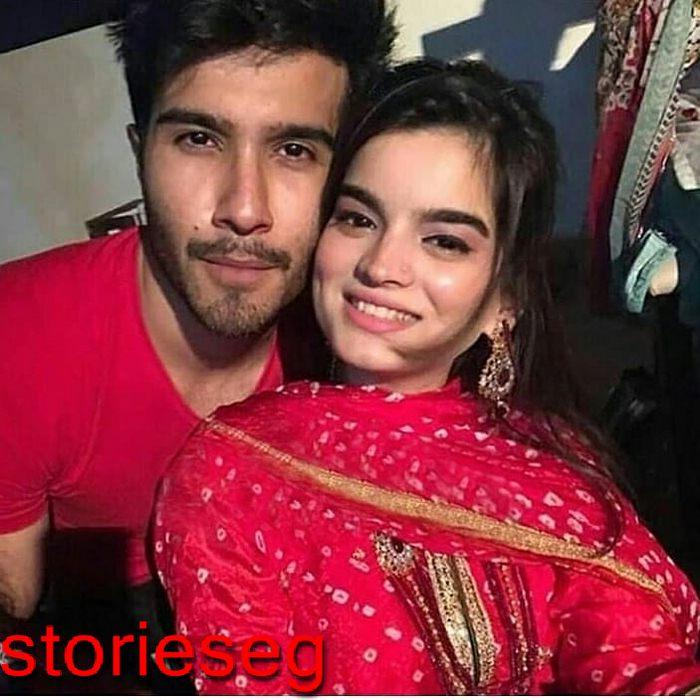 صورة-تجمع-بين-فيروز-خان-وزوجته
