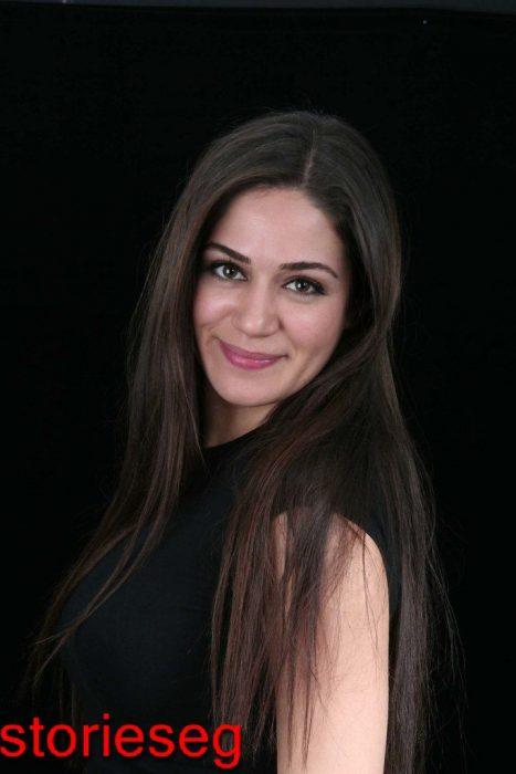 الممثلة التركية اوزجى بوراك